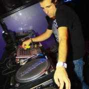 1-62979679-535142401-62979679-1291022368# DJ CHUCHI @ TXITXARRO ON TOUR - IMAGE - 11-10-2010